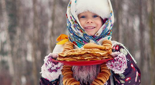 Картинки девочка с блинами, Стоковые Фотографии и Роялти-Фри 41