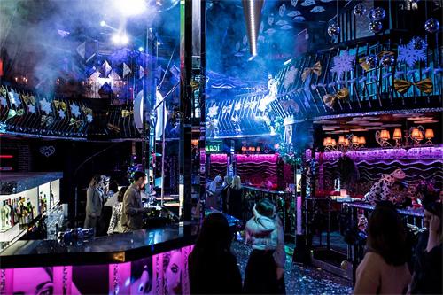 Бигуди ночной клуб уфа охрана ночных клубов инструкции